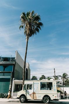 Venice_Beach-Collage_On_The_Road-Collage_Vintage-Levis-Shop_Camp-Casual_Look-52