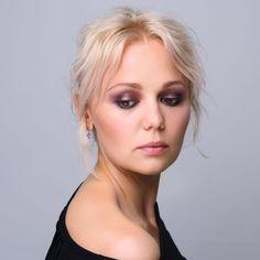"""Студия макияжа @pinup_makeup_studio запускает весеннюю акцию """"МАКИЯЖ + СТИЛЬНАЯ УКЛАДКА"""" за 2000 рублей! Акция действует до 30 июня 2017 года. Запись по тел.: 8 (909) 980 02 87 или direct *в акции не участвует свадебный образ #макияж #makeup #выпускной #последнийзвонок"""