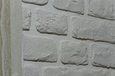 Кирпичная стена. Стиль лофт своими руками - Советы по ремонту Brick Wall, Hardwood Floors, Concrete, Mosaic, Bedroom Decor, Loft, Stone, House Styles, Interior