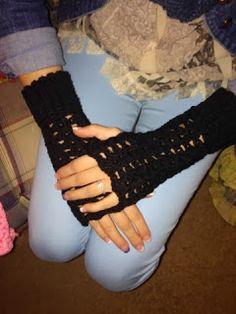 Twisted Sisters: Fingerless Gloves  Black crochet gloves