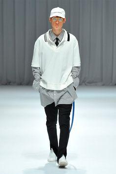 Takeshi Kitazawa and Emiko Sato unveiled their Fall/Winter 2017 collection for DressedUndressed during Tokyo Fashion Week.