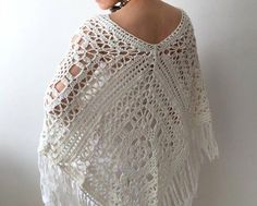 Our girls' vests and find chic quilted gilets of highest quality, provided keep individuals trendily warmer on cold days. Crochet Poncho, Knitted Shawls, Crochet Top, Bridal Shrug, Bridal Robes, Patagonia Vest Outfit, Granny Square Poncho, Bridesmaid Shawl, Bridal Cover Up