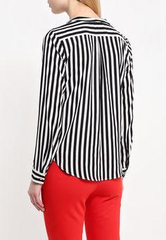 Блуза премиум-марки Pennyblack выполнена из приятного на ощупь материала в полоску. Модель свободног