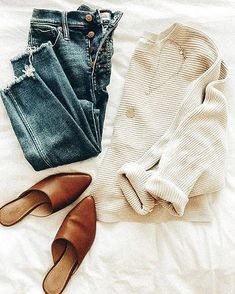 Get inspired with some of my favourite fall outfits in The essential button down, a fall jacket + the perfect jeans will be your staples this season! Casual Fall Outfits, Fall Winter Outfits, Autumn Winter Fashion, Winter Clothes, Looks Style, Looks Cool, My Style, Jean Parfait, Perfect Jeans