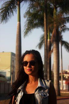 Meu nome é Mayra Abeki, tenho 21 anos e sou fundadora do Abeki Produções.  Já realizei cursos voltado para as Artes Plásticas, Figurino, Desenho de moda e realizei trabalhos no backstage do Minas Trend 2013 e em Produção de Moda do 7° Una Trendsetters. Recentemente sou professora de Moda e realizo trabalhos de filmagem e fotografia.  12/12/2015