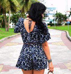 Diário da Moda: Look do dia: Macaquinho estampado  #hippiechic #folk #boho #macaquinho #macacao #jumpsuit #lookoftheday #lookdodia #lookdiary #fashion #fashionblogger #lookbook #gladiadora #gladiator #franjas #boho #estiloboho #acessoriosboho #diariodamoda Hippie Chic, Estilo Boho, Floral Romper, Cute Outfits, Rompers, Plus Size, Shorts, Flower, Shopping