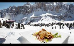 Delícias das #Dolomitas! http://www.italydolomites.com/gourmet-trips/  #italia #gastronomiaitaliana #cozinhaitaliana #comidasitalianas #comidasregionais #viajar