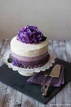 Na vidličku: Ombre cake: čokoládový dort s mascarpone Cake Pops, Buttercream Frosting, Meringue, Vanilla Cake, Chocolate Cake, Flamingo, Yummy Food, Delicious Recipes, Blog