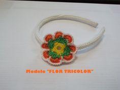 Diadema tricolor de ganchillo