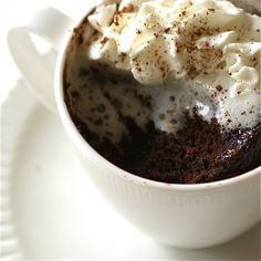 If your family is like mine they totally get that after dinner craving for something sweet. Insert 3,2,1, Cake in a Mug. It's as easy to make as it is delicious.