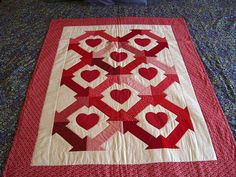 Hearts & Arrow Valentine Quilt by Quiltsalad, via Flickr