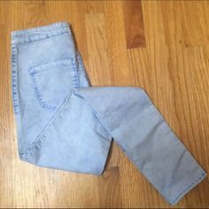 High Rise Skinny Jeans Acid Wash Uber high rise skinny jeans from bullhead denim, worn a couple of times, in good condition, super comfortable, waist is 26 in and inseam is 27.5 in, top shop for visibility Topshop Jeans Skinny