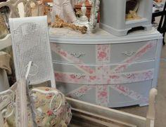 Fabulous - I want a union jack dresser!