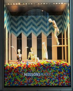 Super Ideas For Design Visual Merchandising Milan Italy Fashion Window Display, Fashion Displays, Window Display Design, Store Window Displays, Display Windows, Retail Displays, Retail Windows, Store Windows, Visual Merchandising