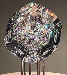 tomasorban:  Optical crystal sculpture by Jack Storms