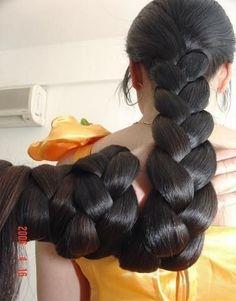 Thick braid wrapped around hand by Chotlo, via Flickr: Dark Hair, Braids Wraps, Thick Braids, Amazing Hairdos, Long Braids, Hair Style, Beautiful Hair, Long Hair Braids, Hair Inspiration