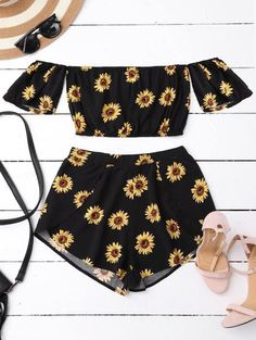 Off Shoulder Crop Top and Sunflower Shorts, Summer Outfits, Off Shoulder Crop Top and Sunflower ShortsOff Shoulder Crop Top and Sunflower Shorts. Teen Fashion, Fashion Outfits, Womens Fashion, Fashion Trends, Style Fashion, Fashion Clothes, Fashion Ideas, Fashion Black, Fashion Accessories