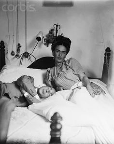 frida kahlo photo: Frida with company