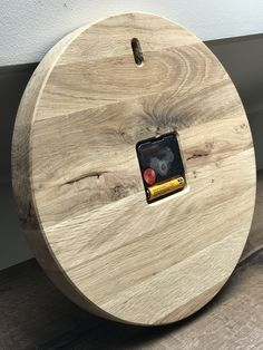 Clock Wall, Diy Clock, Danbo, Unique Clocks, Diy Cutting Board, Driftwood Crafts, Wood Clocks, Woodturning, Diy Woodworking