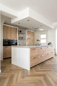 Koak Design makes real oak doors for IKEA kitchen cabinets. Koak + IKEA = your design! Kitchen Island Storage, Farmhouse Kitchen Island, Stools For Kitchen Island, Modern Kitchen Island, Small Space Kitchen, Modern Kitchen Design, Kitchen Islands, Small Kitchens, Small Spaces