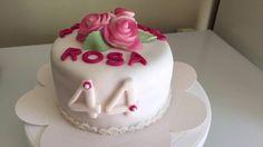 Bolo aniversário rosas
