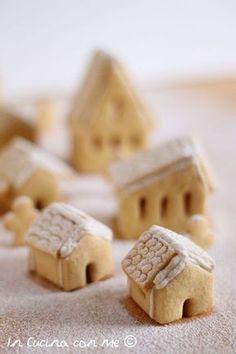 Il villaggio di Natale in biscotto è una golosa e scenografica idea regalo, tutta da gustare è realizzata con pasta frolla e glassa. Christmas Desserts, Christmas Treats, Christmas Baking, Christmas Cookies, Best Birthday Cake Designs, Cool Birthday Cakes, Biscotti Cookies, Cake Cookies, Cookie House