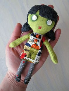 My new favourite pocket zombie | Flickr - Photo Sharing!