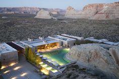 Otra vez la marca Aman para definir la alucinación del lujo. En este caso expandido como un complejo sin líneas definidas en medio del desierto de Utah, con una piscina central minimalista que proyecta sus vistas al Grand Staircase Escalante Monument Valley, las tierras que habitaron los navajos, el portal olvidado del Gran Cañón del Colorado. 1 Kayenta Rd, Canyon Point (Utah, Estados Unidos). Teléfono: +1 435-675-3999. www.aman.comresortsamangiri
