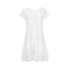 Sukienka koronkowa w białym kolorze z oryginalnej koronki produkowanej w angielskiej fabryce. Ma bardzo wdzięczny i lekki krój linii A, czyli jest rozszerzana do dołu zakończona falbaną. To dziewcz…