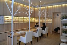"Japan's Nail Quick has opened in NYC! Branded as ""Spa Nail"", it offers excellent nail care and styling services."