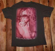 "Rhianna ""Loud Tour"" Graphic Tee Shirt from 2011 Men's Size Large #Rhianna #Music #GraphicTee"