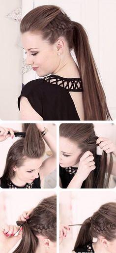 Chica haciendose una trenza a los lados de su cabeza para unirla a una cola de caballo