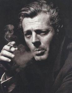 Marcello Mastrojanni e' nato a Fontana Liri, il 28 settembre  1924 – e' morto a Parigi, il 19 dicembre 1996