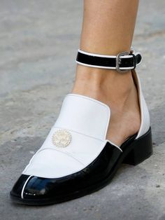 chic fashion style shoes streetstyle chanel loafer ankle strap patent leather patent shoes monochrome white black and white model runway