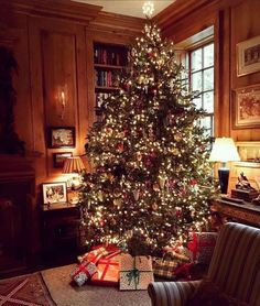 Christmas Feeling, Christmas Time Is Here, Merry Little Christmas, Cozy Christmas, Beautiful Christmas, Christmas Lights, Christmas Decorations, Holiday Decor, Xmas