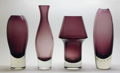 Aimo Okkolin, Riihimäen Lasi - Nimipäivä and Stromboli vases. Glass Design, Design Art, Interior Design, Scandinavian Art, Carnival Glass, Colored Glass, Finland, Modern Contemporary, Glass Art