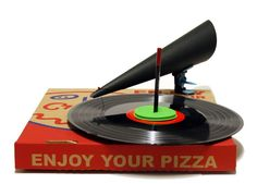 Turn a regular pizza box into a record player! Makedo sells genius products that can pretty much help you turn anything cardboard into something amazing.