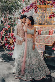 Wedding Lehnga, Indian Wedding Gowns, Indian Bridal Outfits, Indian Bridal Fashion, Indian Designer Outfits, Bridal Lehenga, Bridal Mehndi, Engagement Dress For Bride, Couple Wedding Dress