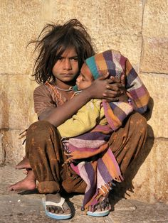 Photo listed in Portrait Shot taken with Medion. Poor Children, Save The Children, Precious Children, Beautiful Children, Beautiful People, Kids Around The World, People Around The World, Victor Hugo, Portraits