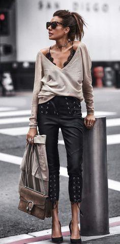 - Îmbrăcăminte pentru femei