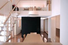 本身北海道出生的建築師 田村美紀,和屋主感同身受,希望在空間的任何一個角落,都可看到北海道的田園風景,這是設計初衷。 via NDstudio architects