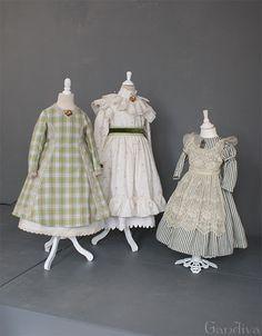 Biedermeier-Kinderkleider 2