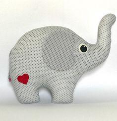 elefant kuscheltier elefantenkissen kissen deko. Black Bedroom Furniture Sets. Home Design Ideas