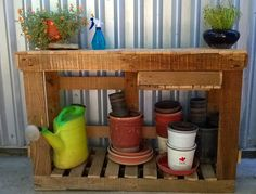 Make A Basic Gardening Table Out Of Old Pallets