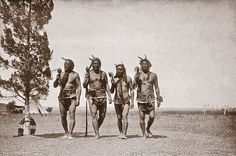 An Arikara medicine ceremony, performed as a prayer offering for rain and food, had been banned by the U.S. government since about 1885; photographer Edward S. Curtis arranged for some Arikaras to perform the outlawed ritual in 1908.  – Courtesy Library of Congress –