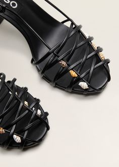 Discover the latest trends in Mango fashion, footwear and accessories. Shop the best outfits for this season at our online store. Mango Fashion, Fashion Lookbook, Velcro Straps, Strap Sandals, Sea Shells, Fashion Shoes, Fashion Dresses, Shopping Bag, Fashion Online