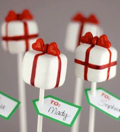 Make these present pops for Christmas.