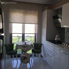 Merve hanımın yeni taşındığı evinin avangart stil mobilyalar, gümüş aksesuarlar…