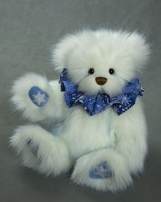 Winter Wonderland - about 13 inches - Faux Fur. #artistbear #artistbears #teddybear #winter #vickylougher Teddybear, Winter Wonderland, Faux Fur, Sweet, Artist, Handmade, Animals, Plushies, Candy