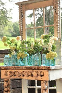 All Things Shabby and Beautifult Idee voor mijn oude glas in lood ramen tegen het muurtje bij de vijver.